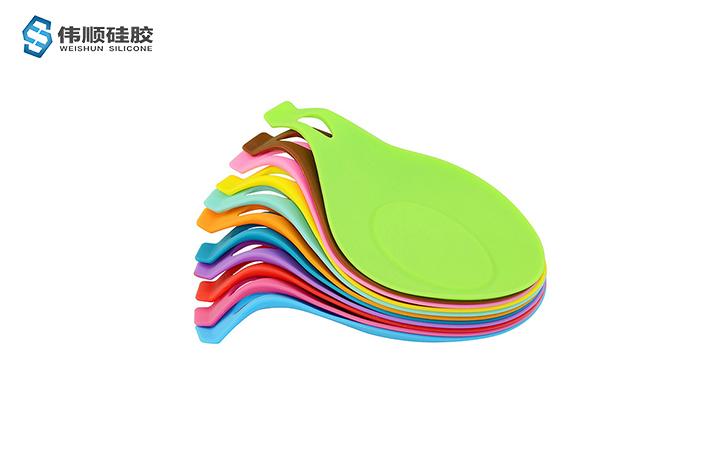 什么是硅胶产品--硅胶勺垫