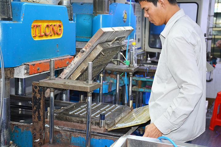 硅胶模压成型的优点和缺点