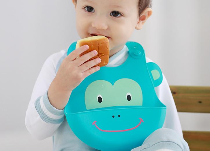 宝宝吃饭硅胶围兜,硅胶婴儿宝宝围兜品牌,哪个牌子的硅胶围兜好