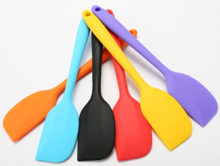 硅胶刮刀耐高温吗,硅胶刮刀可以承受多高的温度