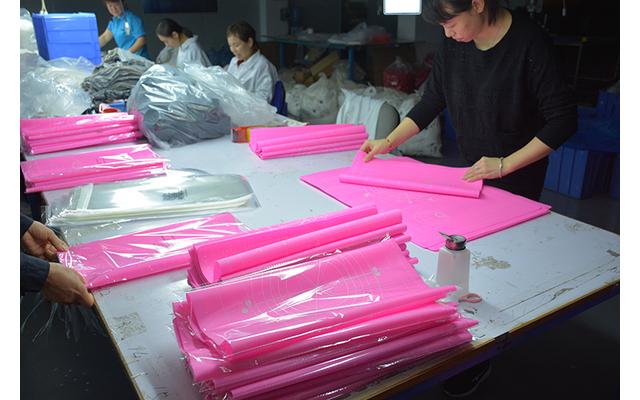 硅胶揉面垫薄的好还是厚的好,定做加大加厚防滑带刻度家用硅胶揉面垫