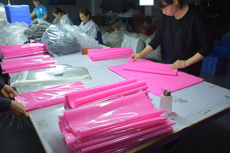硅胶烘浙江11选5走势图带连线焙垫质检包装